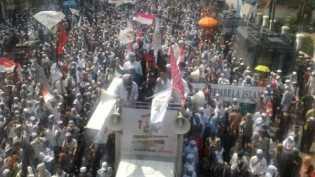 Sedikitnya 2.000 orang berunjuk rasa tuntut pemidanaan Sukmawati Soekarnoputri