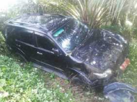 Kecelakaan Tunggal, Mobdin DPRD Siak Terjun ke Kebun Sawit