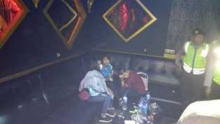 Razia Malam Minggu, Polresta Amankan Pengunjung Arena Karaoke