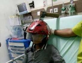 Mahasiswa Nyaris Tewas Dengan Kapak Menancap di Helm
