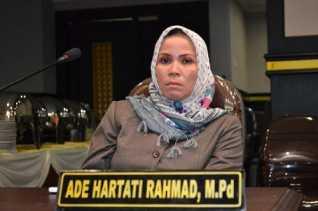 TKA Menjamur di Riau, Ade Hartati: Pemerintah Harus Bijak