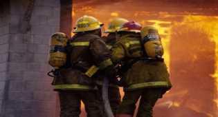 Kebakaran di Bandara Lama Sultan Hasanuddin Hanguskan Gudang Kargo