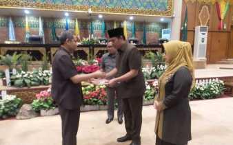 Rapat Paripurna DPRD Riau Pemprov Riau Sampaikan Usulan Revisi Penurunan Pajak Pertalite