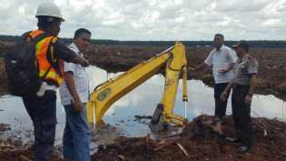 Alat Berat Excavator Masuk Kanal, Operator Meninggal Dunia