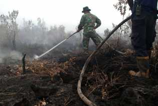TNI Patenkan Bios 44, Cairan Pencegah Kebakaran