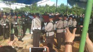 Wakapolri dan Gubri Langsung Hadiri Pemakaman Ipda Auzar