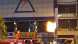Dua Hari Tutup, Supermarket Gunung Sari di Jalan Nangka Hangus Terbakar