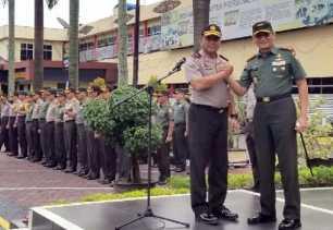 Wujudkan Sinergitas TNI dan Polri Danrem 031/WB Apel Pagi Bersama di Mapolda Riau