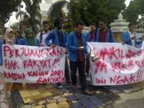 """Gawat! Besok Kantor DPRD Riau """"Dikepung"""""""