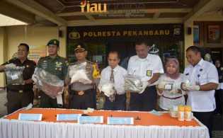 3,8 Kg Sabu dan 9 Kg Ganja Di Musnahkan Polresta Pekanbaru