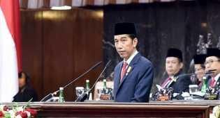 Jokowi renungan malam di makam pahlawan