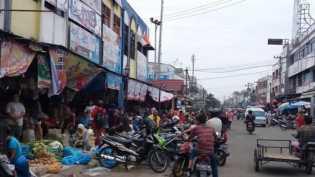PKL Berjamur, DPRD: Jangan Biarkan Pedagang Buat Pasar Sendiri