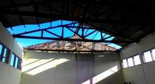 Diterjang Badai, SMK 3P Kampar Timur Belajar di Gudang Pupuk