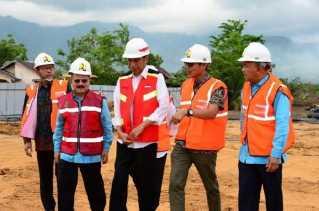 Didampingi Gubri, Presiden Jokowi Resmikan Tol Padang-Pekanbaru