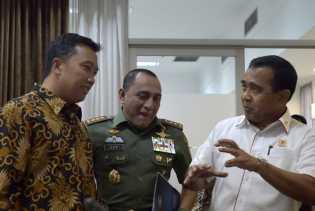 Presiden Perintahkan Menteri Cari Lahan Bangun Gedung PSSI