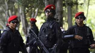 Pencarian Penerjun TNI Dihentikan karena Cuaca Buruk