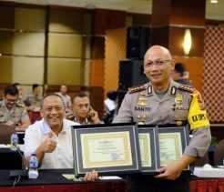 Polresta Pekanbaru terima Penghargaan dari Kapolda Riau