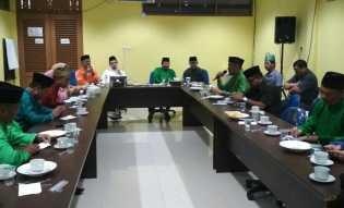 Toko Adat Riau Memberi Pesan Khusus Kepada Rusli Efendi di LAM Riau