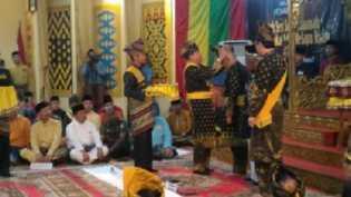 Gubri Resmi Menyandang Gelar Datuk Seri Setia Amanah