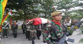 Gubernur Riau Lepas Jenazah Pratu Wahyudi ke Magetan Jateng