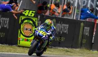 Valentino Rossi dan Vinales Temui Fans Indonesia Januari 2017