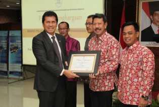 Pekanbaru Raih Penghargaan Pelayanan Publik Sangat Terbaik di Indonesia