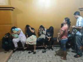 Satpol PP Jaring Puluhan Muda - Mudi dari Hotel Hingga Warnet