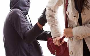 Lagi Jalan Kaki, Tas Wanita di Pekanbaru Dirampas