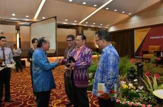BRK Adakan Seminar Pengelolaan SDM & Penanganan Hubungan Industrial