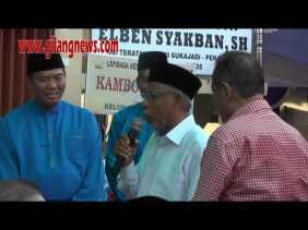 Santunnya Firdaus - Ayat, Berdiri Ketika Tokoh Riau Ini Berbicara