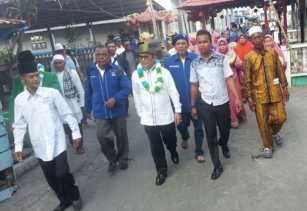 Kampanye di Kampung Halaman, Rusli Disambut Ribuan Warga Palika