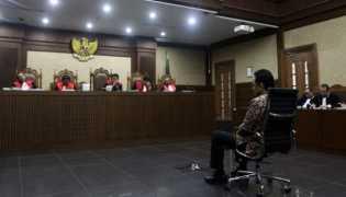Terbukti Terima Suap, Irman Gusman Dihukum 4,5 Tahun