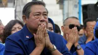 Cuitan SBY dan 'Rayuan' Koalisi Jokowi