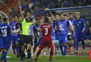 Kena kartu Merah di Final Piala AFF, Abduh Lestaluhu Bercerita Kepada Jokowi