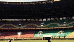 Dana Pemerintah Tak Ada, Manajemen PSPS Pakai Uang Sendiri Rawat Rumput Stadion Utama