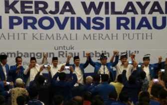 Ketua MPR RI: Kalau Tidak Mau Rakyat Susah, Jangan Lanjutkan dan Ganti Pemimpinnya untuk Riau Lebih