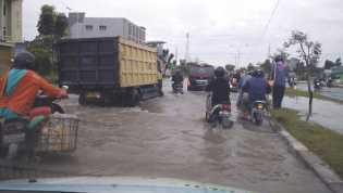DPRD Pekanbaru Desak Pemko Bentuk Perda Banjir