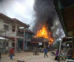 Pasar Kuntu Kampar Terbakar, Lima Unit Bangunan Jadi Arang