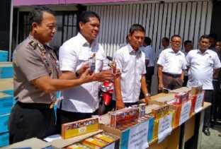 Polda Riau Amankan 60.400 Slop Rokok Cukai Palsu