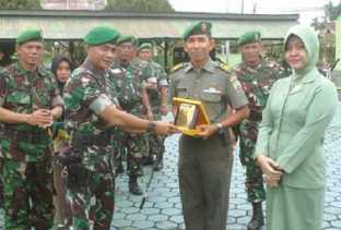 20 Prajurit TNI di Inhu Naik Pangkat