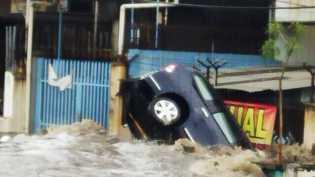 Perwira Polisi Tewas Terseret Banjir di Lombok