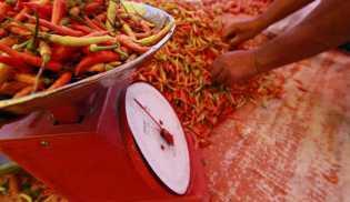 Cabai Merah dan Rokok Kretek Penyumbang Terbesar Inflasi 2016