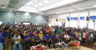 Ribuan Massa Deklarasi Mendukung Firdaus-Ayat di Gedung Juang 45