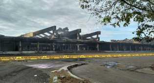 Kondisi Bekas Terminal Sultan Hasanuddin yang Terbakar