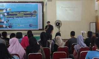 PWI Riau Ajak Mahasiswa Berantas Berita Bohong