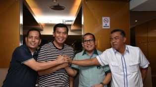 Tak Jadi Besok, Pasangan Firdaus-Rusli Effendi Tiba-tiba Mempercepat Daftar ke KPU Riau