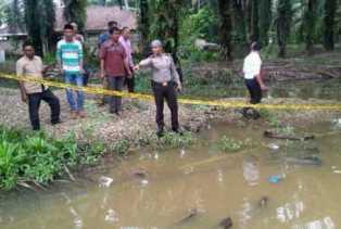 Petaka Disiang Bolong, Ibu Histeris Temukan 2 Anak Balitanya Berusia 3 dan 5 Tahun Tewas dalam Parit