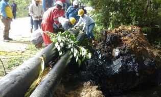 Pipa Minyak PT Chevron di Rohil Bocor