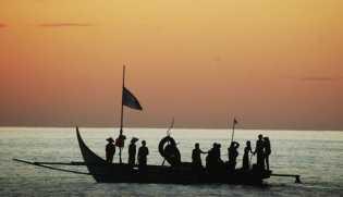 DKP Riau Salurkan Bantuan 76 Kapal dan 6.500 Alat Tangkap Ikan