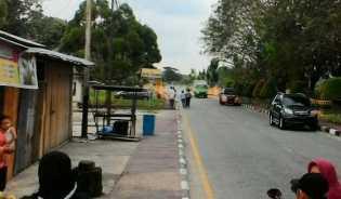 Masyarakat Kota Siak dihebohkan dengan aksi penggerebekan yang dilakukan anggota polisi, Sabtu (20/1